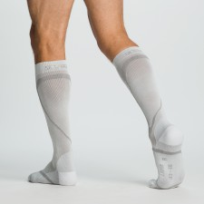 SIGVARIS_PERFORMANCE_SOCKS_male_white
