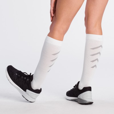 SIGVARIS_ATHLETIC_RECOVERY_SOCKS_female_white